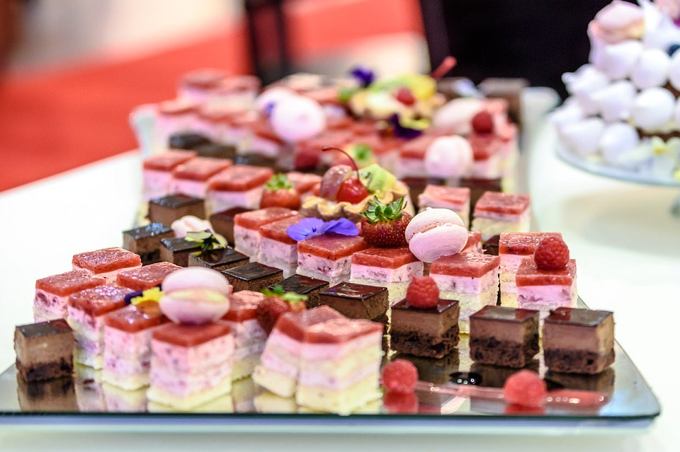 Delicious Dessert Tables to Present at Your Wedding