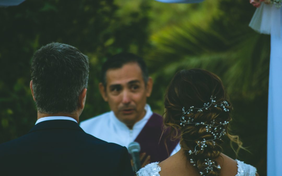 Tips for Choosing Your Wedding Ceremony Officiant