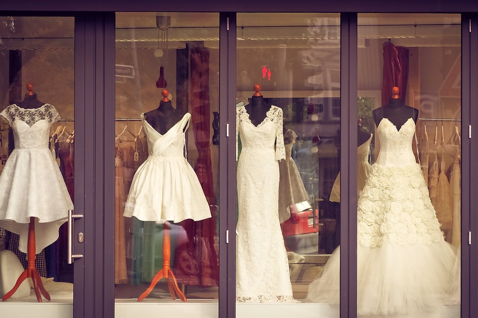 Top Wedding Dress Shopping Tips to Keep in Mind