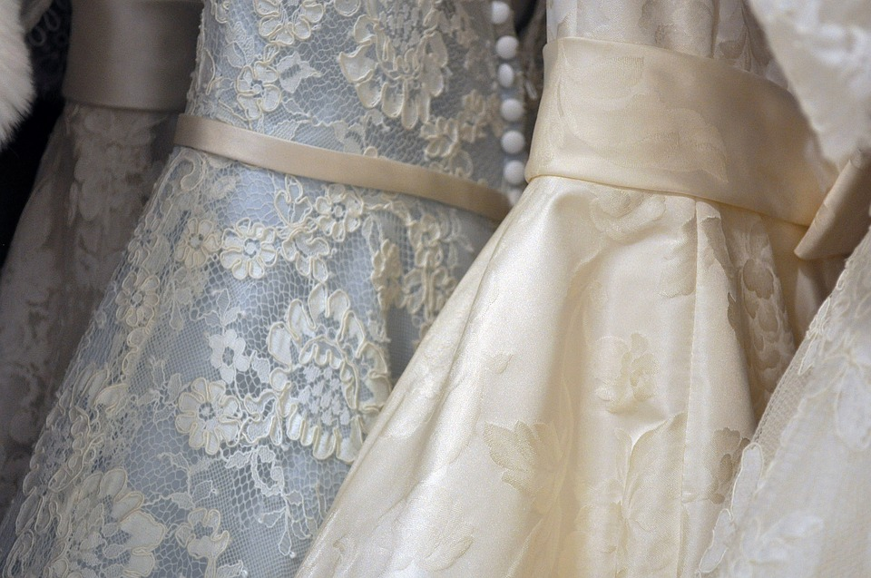 Everything You Need to Know About Wedding Dress Trunk Shows